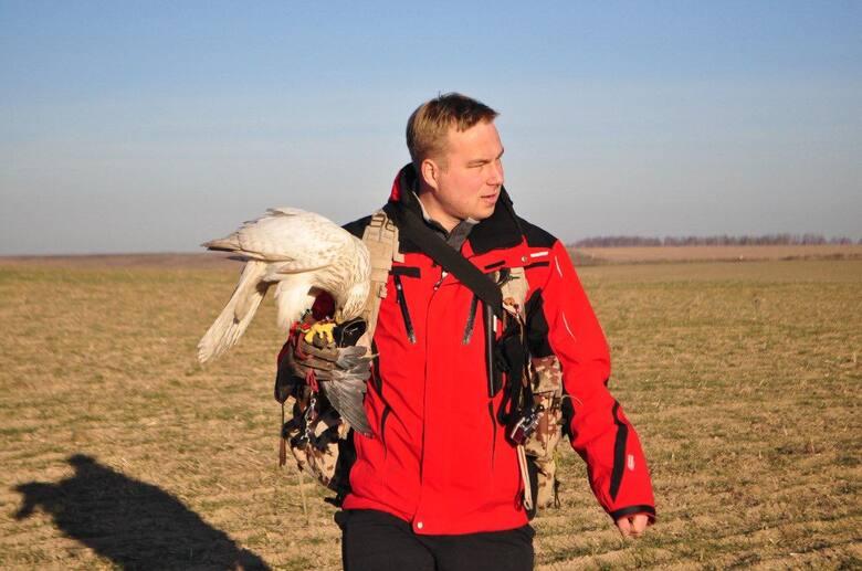 Орнитологи в аэропорту Внуково — профессиональные охотники