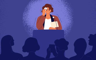 Ком в горле и потные ладони: как унять волнение перед выступлением на публике